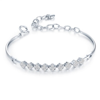 H06186A-18K/750 White Color Gold Diamond Bangle